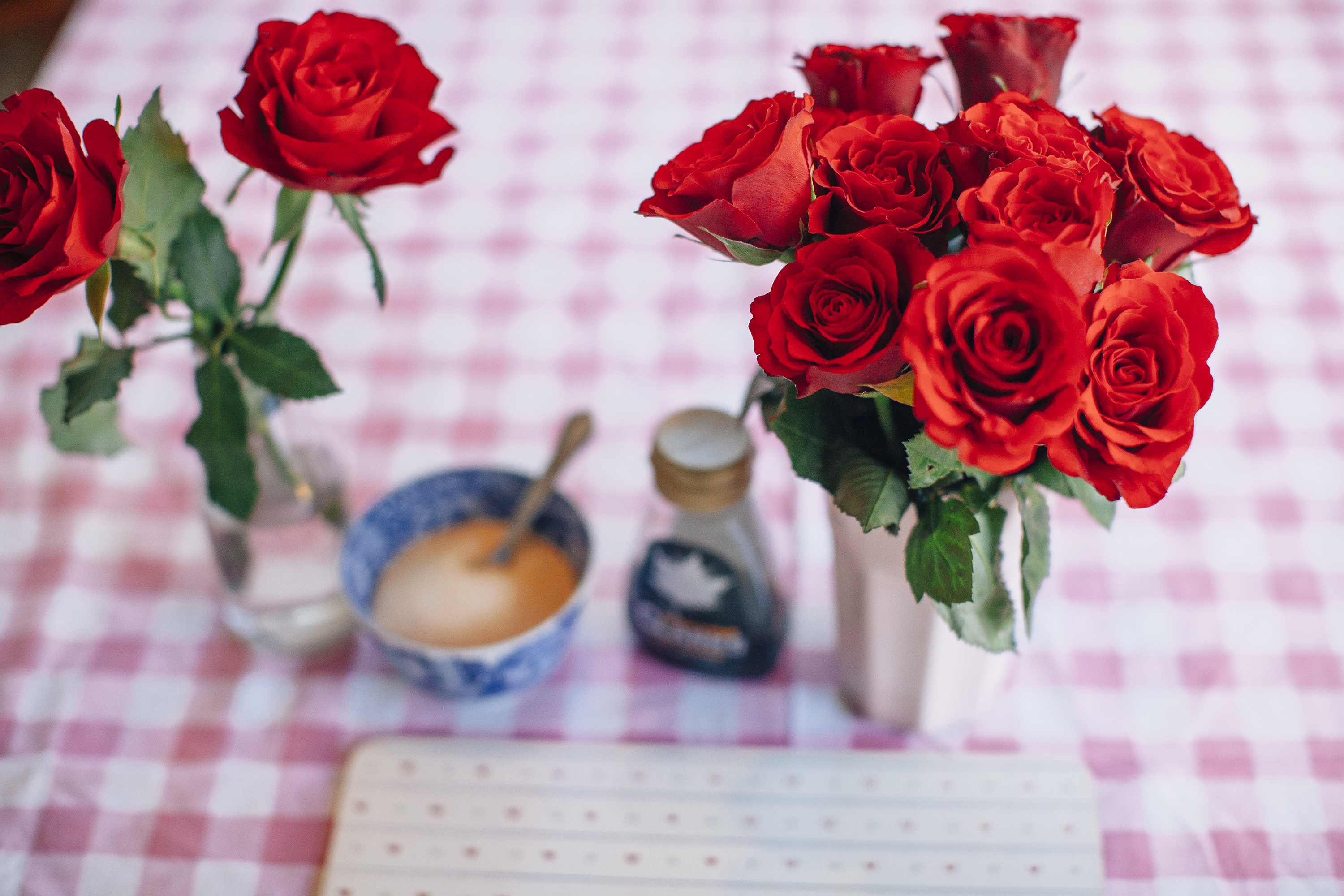 pancakes-katie-leask-photography-la-coco-noire-005-small-roses-surrey-photographer-lacoconoire
